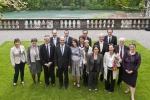 Le Conseil d'Etat fribourgeois rencontre le Conseiller fédéral Alain Berset et sa femme Muriel Zeender Berset à la maison de Wattenwyl le 8 mai 2012.